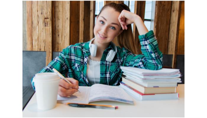 放送大学の勉強方法【やさしく効率的な勉強法をご紹介】忙しい社会人でも大丈夫